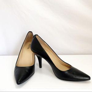 Michael Kors Black leather Pumps Size 5